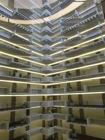 hyatt regency atlanta elevator 360 x 480