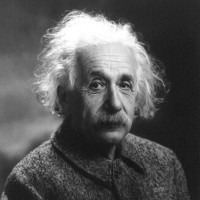 Albert_Einstein_1947_square_cropped