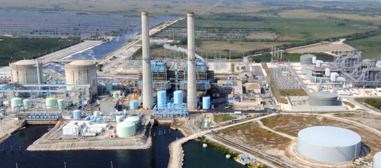 FPL's Turkey Point power station.  The two nuclear units, which are Units 3 and 4, are at the left of this picture.  Photo courtesy FPL.